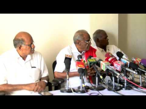 Jayalalithaa wealth case - Do not Spread Hatred against Karnataka and Kannada Peoples - CPI Request - RedPix 24x7  இந்திய கம்யூனிஸ்டு கட்சியின் மாநில செயலாளர் தா.பாண்டியன் இன்று நிருபர்களுக்கு பேட்டி அளித்தார்.   ஜெயலலிதாவுக்கு வழங்கப்பட்ட தீர்ப்பு குறித்து நாடு முழுவதும் விவாதம் நடந்து வருகிறது. இந்த தீர்ப்பை எதிர்த்து உயர்நீதி மன்றத்திலும், உச்சநீதிமன்றத்திலும் மேல்முறையீடு செய்யலாம். அதன்மூலம் மறுதீர்ப்பு பெற வாய்ப்பு உள்ளது.  எனவே இந்த தீர்ப்பு குறித்து புதிய கருத்து கூற விரும்பவில்லை. இந்த தண்டனை மூலம் அவர் அரசியலில் 10 ஆண்டுகள் தேர்தலில் போட்டியிட முடியாத நிலை ஏற்பட்டுள்ளது.  இந்த தண்டனை மூலம் கர்நாடகா, தமிழக மக்களிடையே வெறுப்புணர்வை தூண்டும் முயற்சியில் யாரும் ஈடுபடக் கூடாது. ஜெயலலிதா மீது வழக்கு போட்டது கர்நாடக அரசோ, கர்நாடக மக்களோ அல்ல. சுப்பிரமணியசாமி.  தீர்ப்பு கூறியதுதான் கர்நாடக நீதிபதி. அ.தி.மு.க.வினர் தலைமை மீது கொண்ட ஈடுபாட்டால் தீர்ப்பை விமர்சிக்கிறார்கள். ஆனால் நீதிபதி தீர்ப்பை விமர்சிக்க கூடாது. புதியதாக பொறுப்பு ஏற்கும் முதல்–அமைச்சர் தமிழகத்தில் உள்ள வறட்சிக்கு முக்கியத்துவம் கொடுக்க வேண்டும்.இவ்வாறு தா.பாண்டியன் கூறினார்.     www.bbc.co.uk/tamil indiaglitz. tamil.oneindia.in  behindwoods.com puthiyathalaimurai.tv VIJAY TV STARVIJAY Vijay Tv  -~-~~-~~~-~~-~- Please watch: