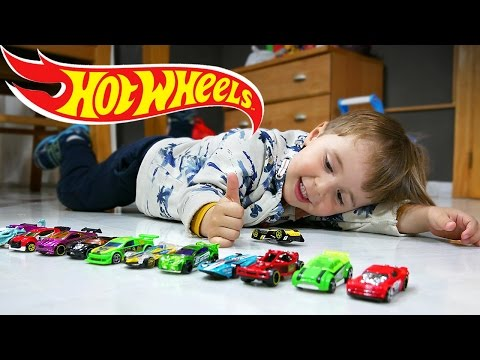 HOT WHEELS!! CARROS DE BRINQUEDO DO ANIVERSÁRIO DO MARCOS - Hot Wheels Toys Cars Collection 
