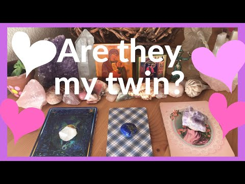Pick A Card Love | Is This Person My Twinflame/Divine Counterpart? + Charm Reading ❤️👑❤️👑❤️