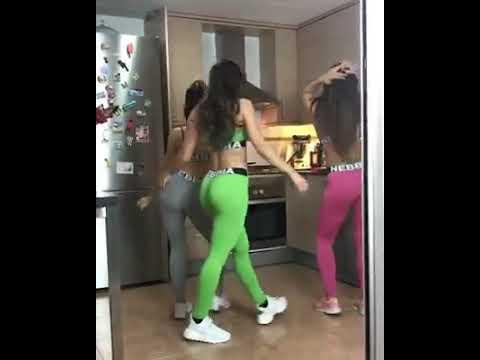 Estas mujeres hacen un trio muy sexy