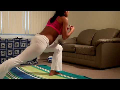 Sexy Big Booty Girl Shows Awesome Home Workout!