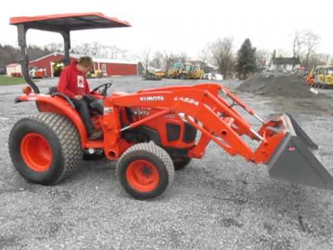 Kubota L3800 Tractor With Front Loader