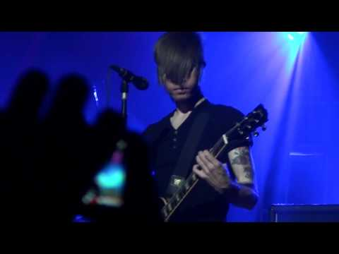 AFI - Silver And Cold (live 2010)