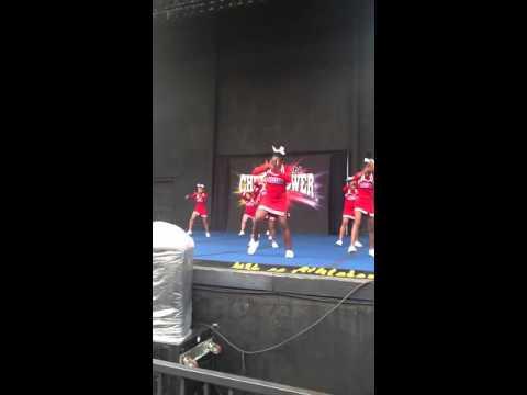 Henry ford middle school cheerleaders 2013