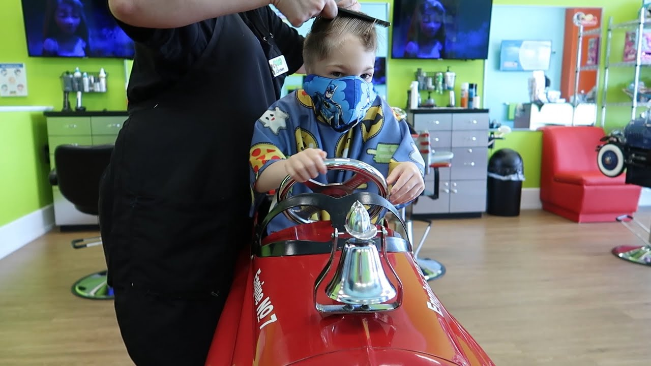 5yr old gets a hair cut during social distancing