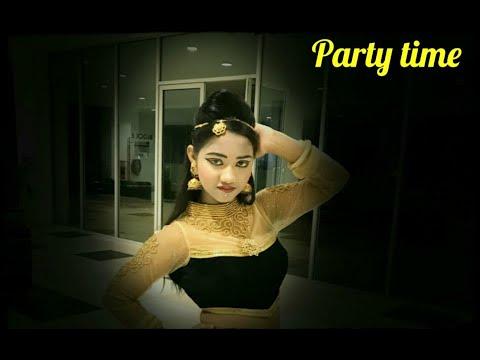 Phatte Tak Nachna - Full Song   Dolly Ki Doli Movie Song   Sonam Kapoor Songs   Dance Cover By Medha