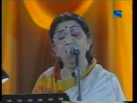 Live Performance Lata Mangeshker. Didi Tera Devar Dewana.