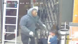 VIDEO: Men armed with shotgun rob Detroit store