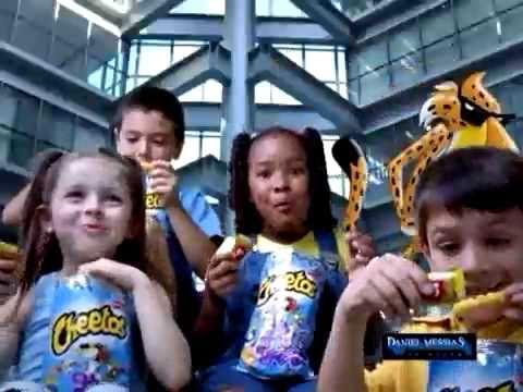 Comercial Elma Chips - Chester Cheetos - Molhoucos