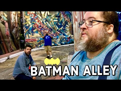 VISITING THE BATMAN ALLEY IN SÃO PAULO | The Fluffies Channel