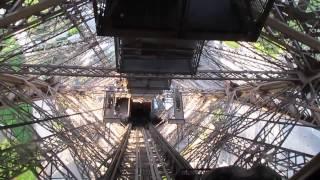 Франция   Спуск на лифте с Эйфелевой башни в Париже!