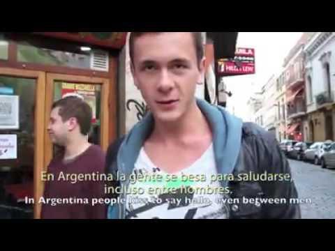 La increíble guía de un grupo de extranjeros para poder sobrevivir en Buenos Aires
