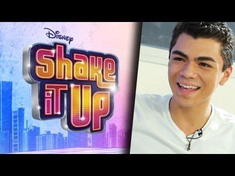 Adam Irigoyen Habla de Musica, Bella, y Selena!