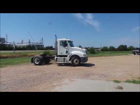 2006 Freightliner Columbia L120 semi truck for sale | no-reserve auction  September 21, 2017