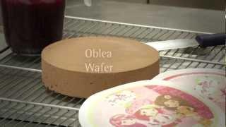 Como Colocar Una Oblea En Una Tarta / How To Place A Wafer In A Cake