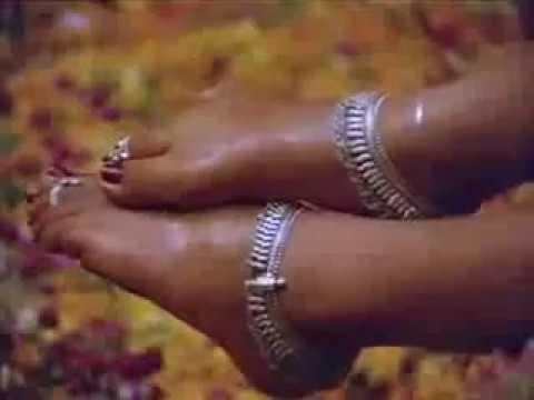 Kulikkum pothile manasu ketkale hot song- Nalini-tamil song thumbnail