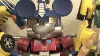 Transformers Takara Disney Label Mickey Mouse Transformer Review (Color Version)