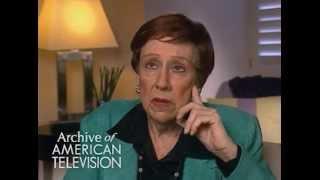 """Jean Stapleton discusses Edith Bunker on """"All in the Family"""" - EMMYTVLEGENDS.ORG"""