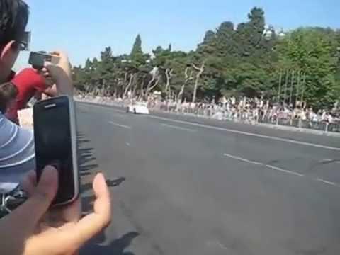 Баку - Заезды действующего выпендрёжника Формулы 1