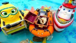 Видео для детей. Элаяс нашел клад. Игры на воде.
