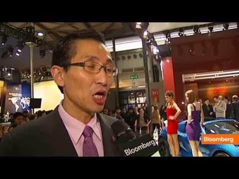 Shanghai Auto Show: Glitz, Glam and SUVs Are All the Rage