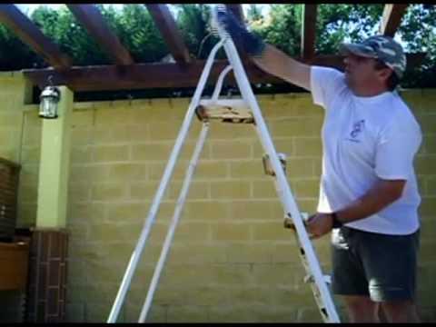 Como pintar una escalera en tres minutos con un calcet n for Como cubrir una escalera