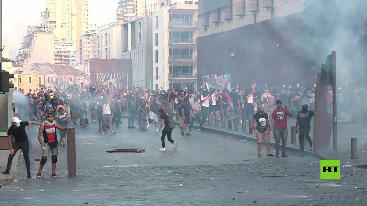 الفوضى تعم شوارع بيروت خلال احتجاجات تزامنت مع الذكرى الأولى لانفجار مرفأ المدينة  - نشر قبل 4 ساعة