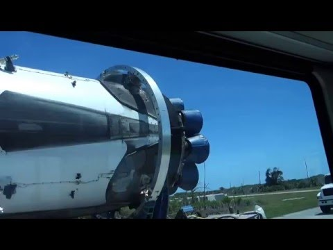 Roadside Video Drives Home How Big SpaceX's Falcon 9 Really Is