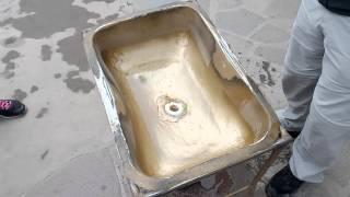 Эксперимент с воронкой воды на экваторе. Центр мира, город Кито, Эквадор