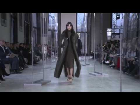 Akris Fall/Winter 2017/2018 - Fashion Show - Paris Fashion Week