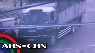 Video TV Patrol: Sapul sa CCTV: Lalaking naka-bike, nagulungan ng trak download MP3, 3GP, MP4, WEBM, AVI, FLV April 2018