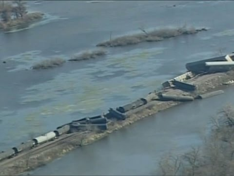 Raw: Wisc. Train Derailment Prompts Evacuation