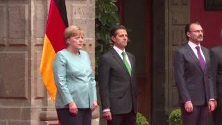 Video: Merkel llama a negociación rápida de Brexit en México