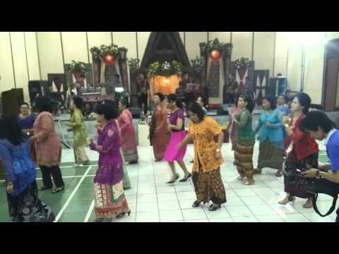 Boru Toba (Gadis Melayu) + Goyang Maumere , Tari.