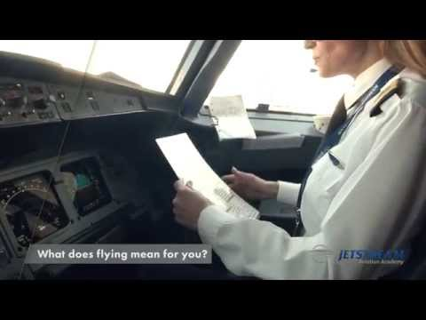 Female A320 Type Rated First Officer