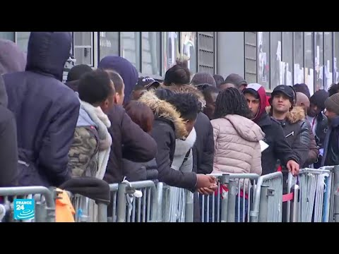 فرنسا: وزير الداخلية يستعرض أمام حكومته قانون الهجرة الجديد المثير للجدل  - نشر قبل 57 دقيقة