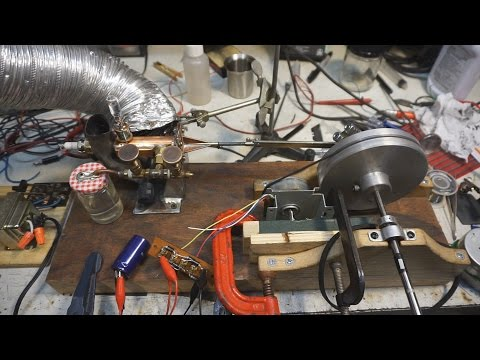 Homemade Internal Combustion Engine Generating 15 Watts!