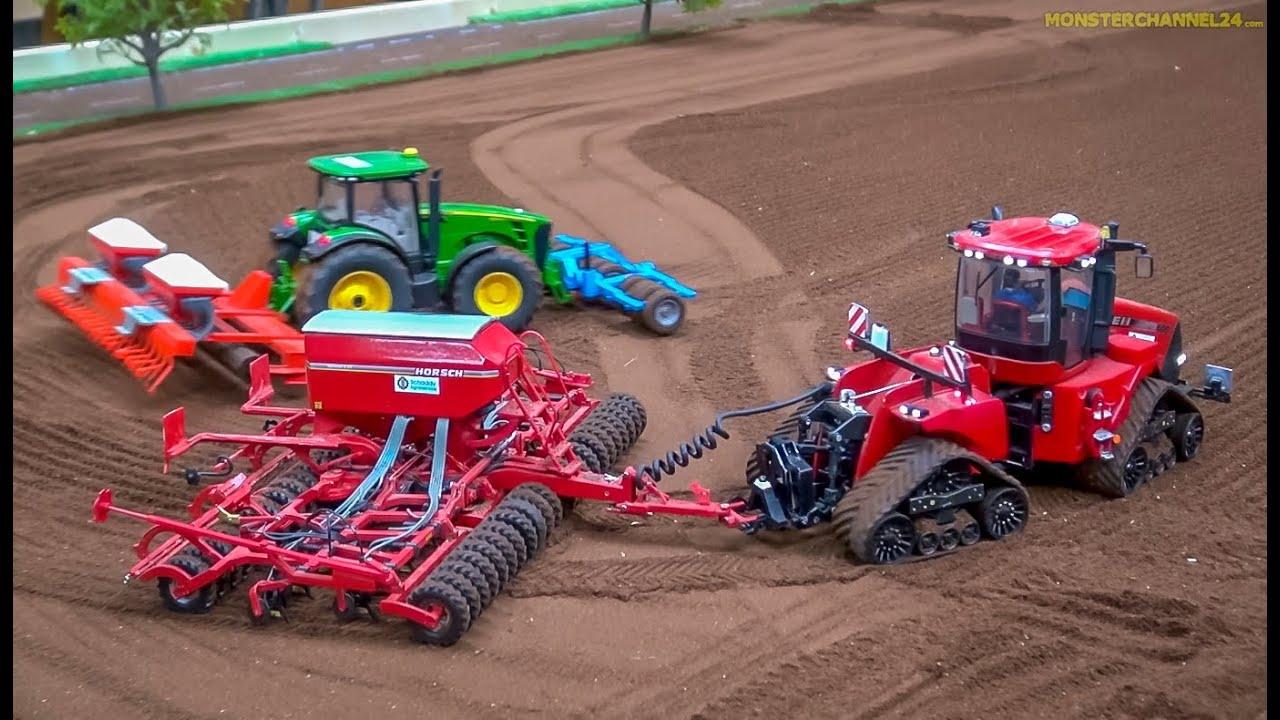 Download RC Tractors John Deere, Case and Fendt at work! Siku Farmland in Neumünster, Germany.