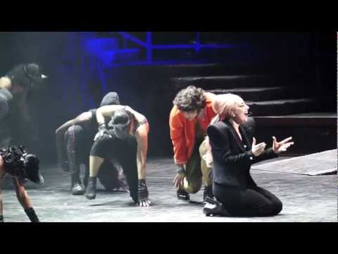 Lady Gaga - Houston, TX - Dancing with a fan to ScheiBe :)