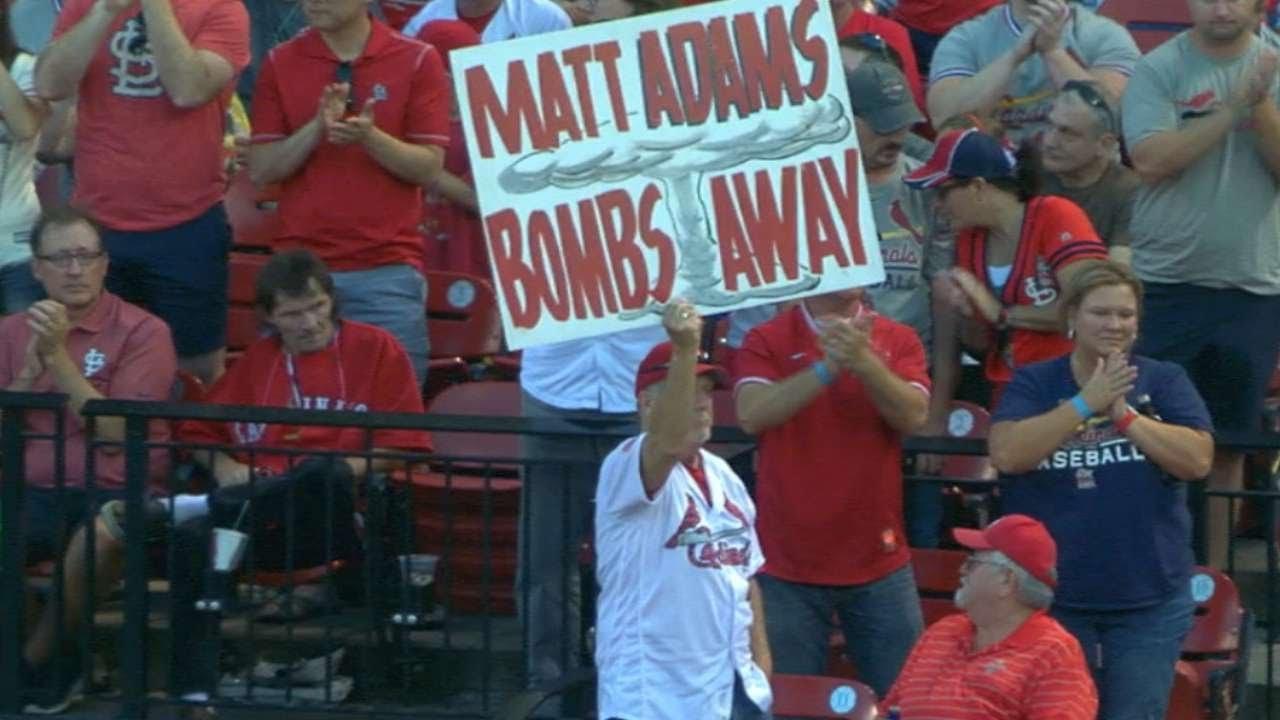 Cardinals fans give Albert Pujols a rousing welcome at Busch Stadium