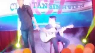 Sự Thật Sau Một Lời Hứa, sinh viên hát với guitar quá đỉnh