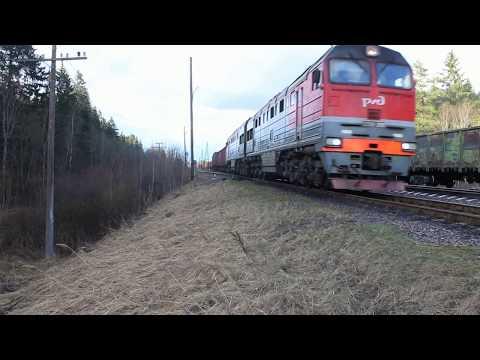 Грузовой поезд не поместился на станции. 70 вагонов