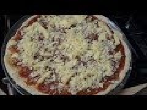 HOW TO MAKE CHEESE PIZZA