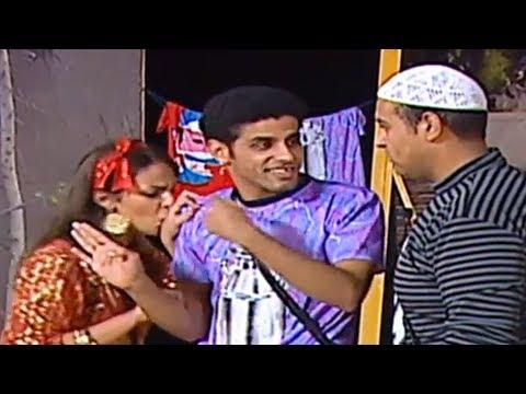 حمدي المرغني و إسراء عبد الفتاح في مشهد كوميدي ' قابلني في الخرابه المهجوره ' #تياترو_ مصر