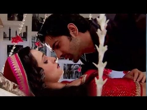 Arnav & Khushi's INTIMATE ROMANTIC MOMENTS in Iss Pyaar Ko Kya Naam Doon 13th August 2012 Travel Video