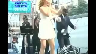 HADİSE PORNO İZLE FRİKİK