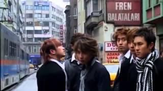 Shinhwa 2003 yılında Türkiye'de gerçekleştirmiş olduğu Shinhwa Visu...