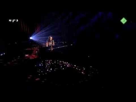 08. Norah Jones -  My dear country  (live in Amsterdam )