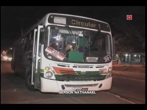 Menores armados ameaçam passageiros durante assalto