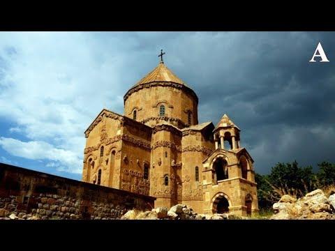 Уберите черный армянский крест с верхушки Ахтамара
